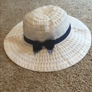 NWT Gymboree white and navy sun hat